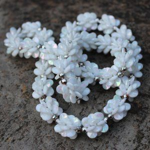 [5/$25] Vintage White Iridescent Plastic Necklace
